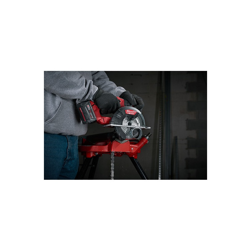 "Sierra Circular Inalámbrica para Metal 5-3/8"" 18V + 2 baterías 5.0 Ah M18 FUEL 2782-22 Milwaukee 561366"